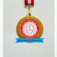 uzaktan-eğitim-başarı-madalyası